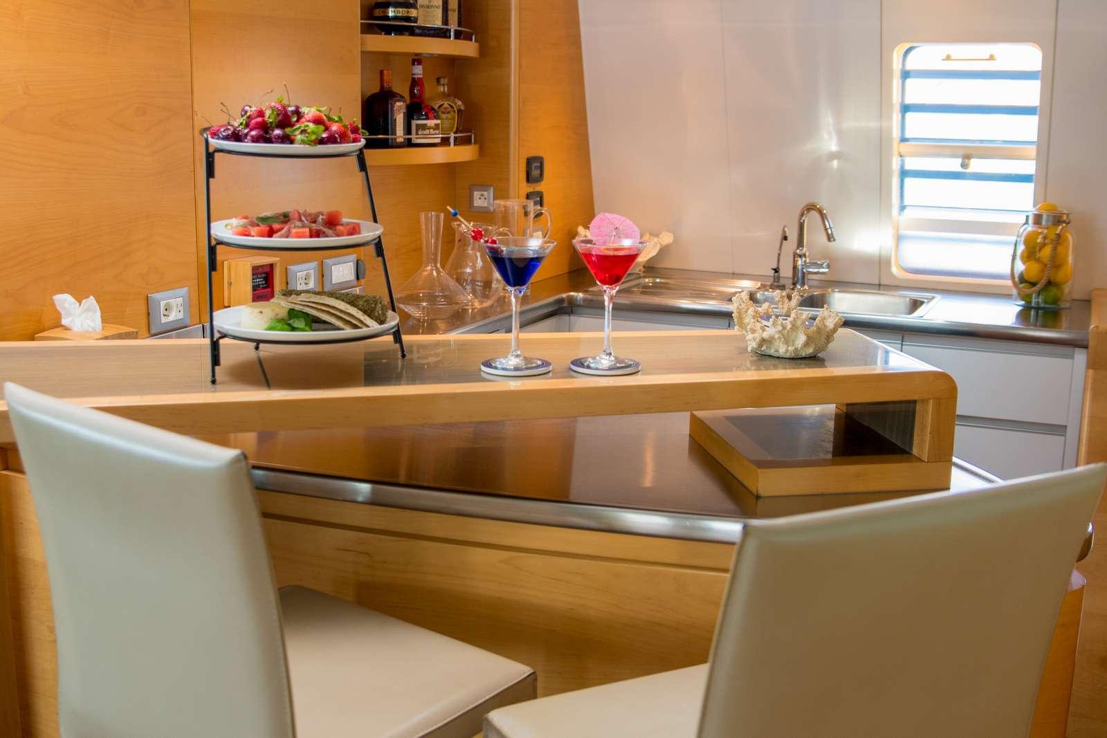 Image of BELLA VITA yacht #16