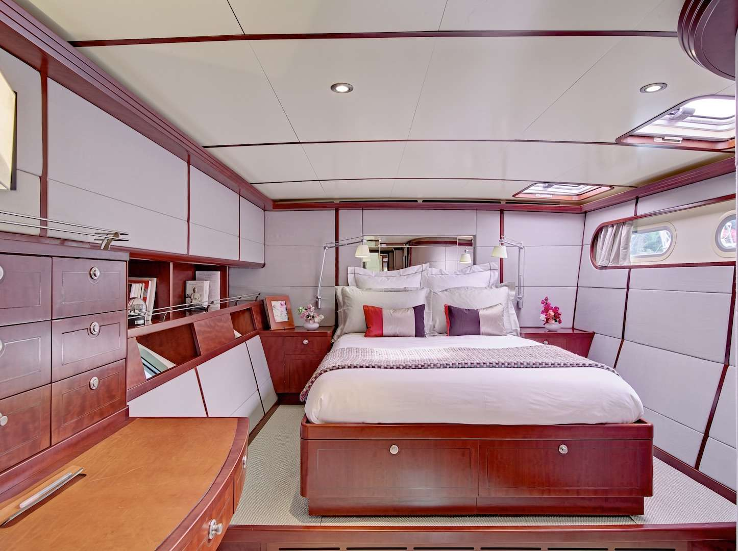 AZIZAM yacht image # 5