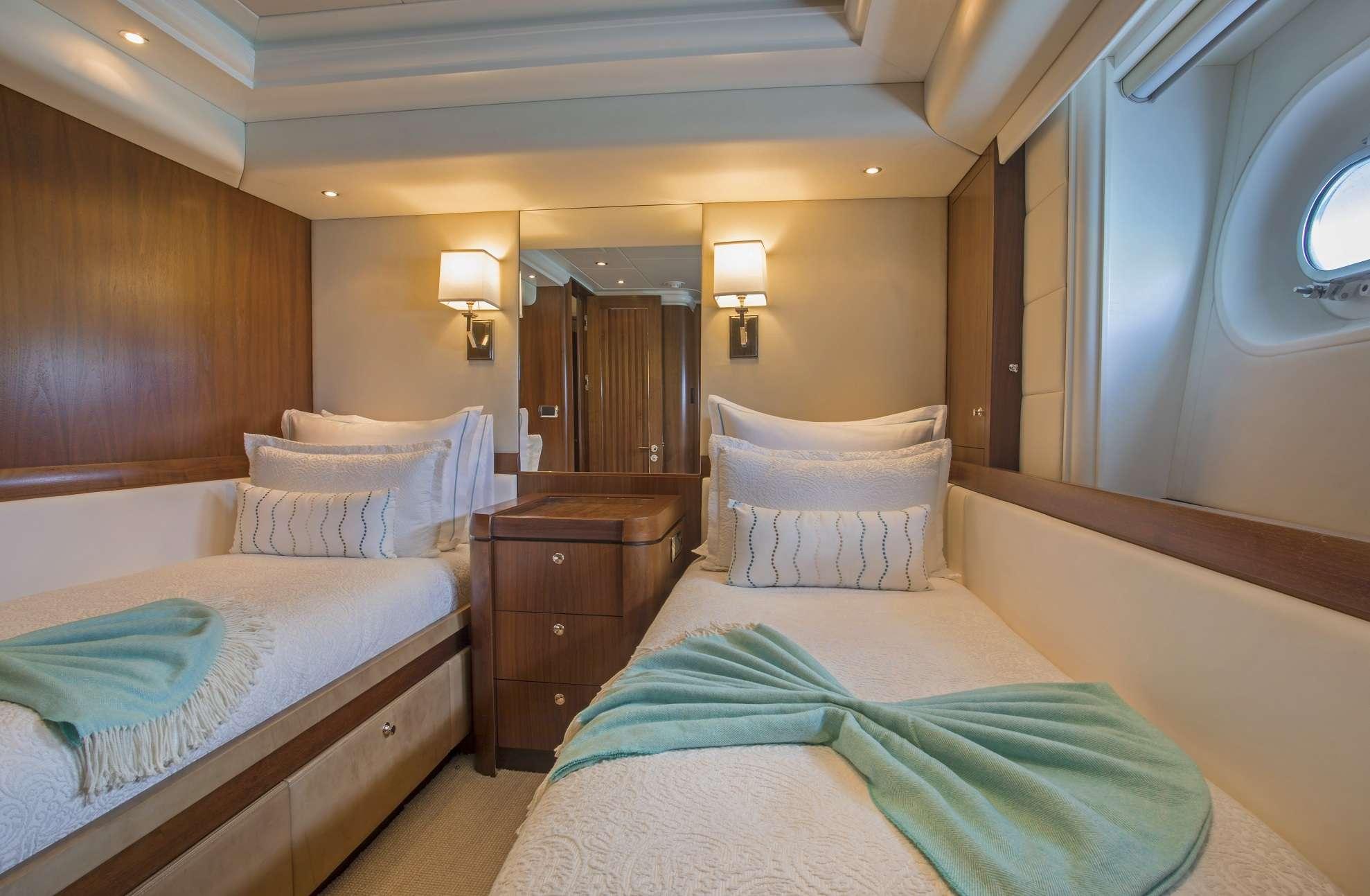 Image of Pura Vida yacht #8
