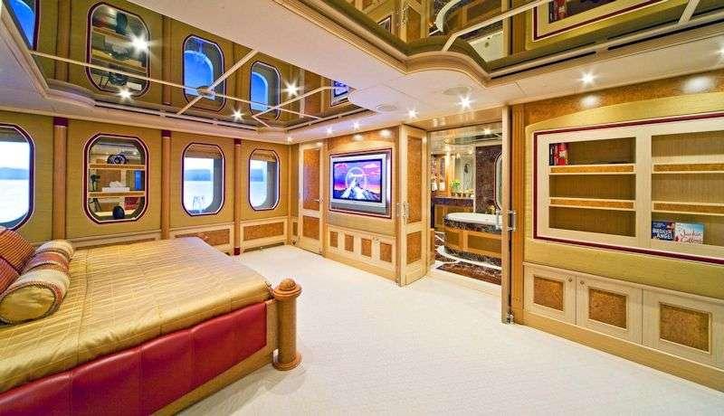 SENSATION yacht image # 5