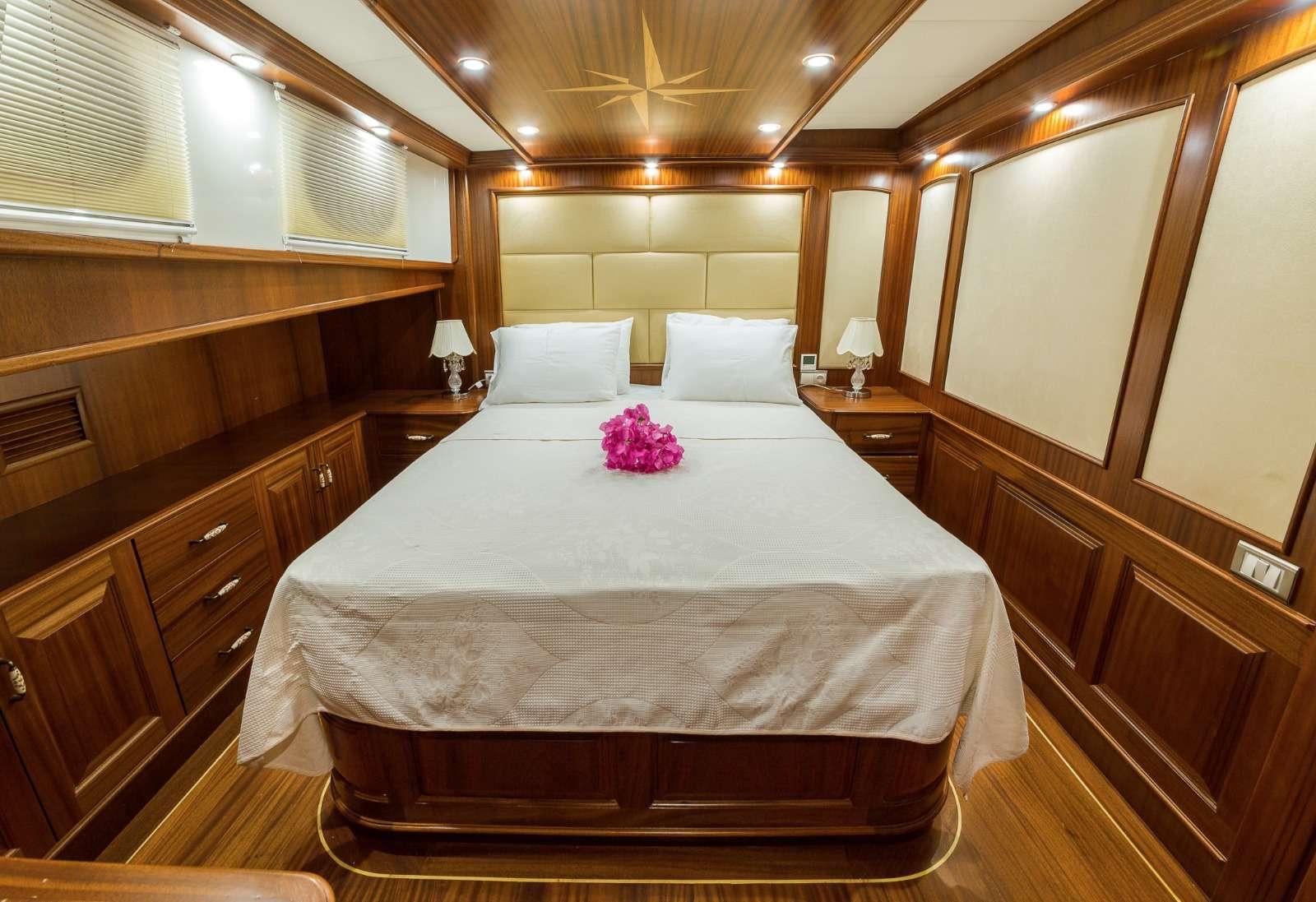 HALCON DEL MAR yacht image # 16