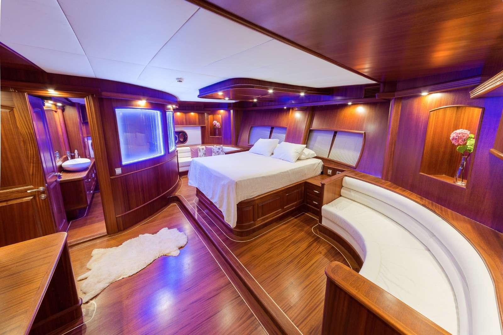HALCON DEL MAR yacht image # 5