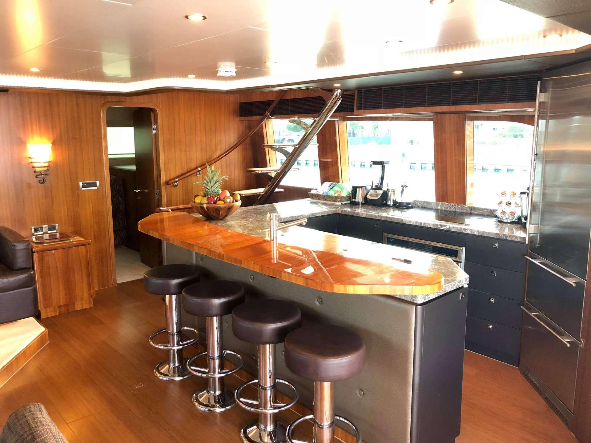 BLUE HORIZON yacht image # 10