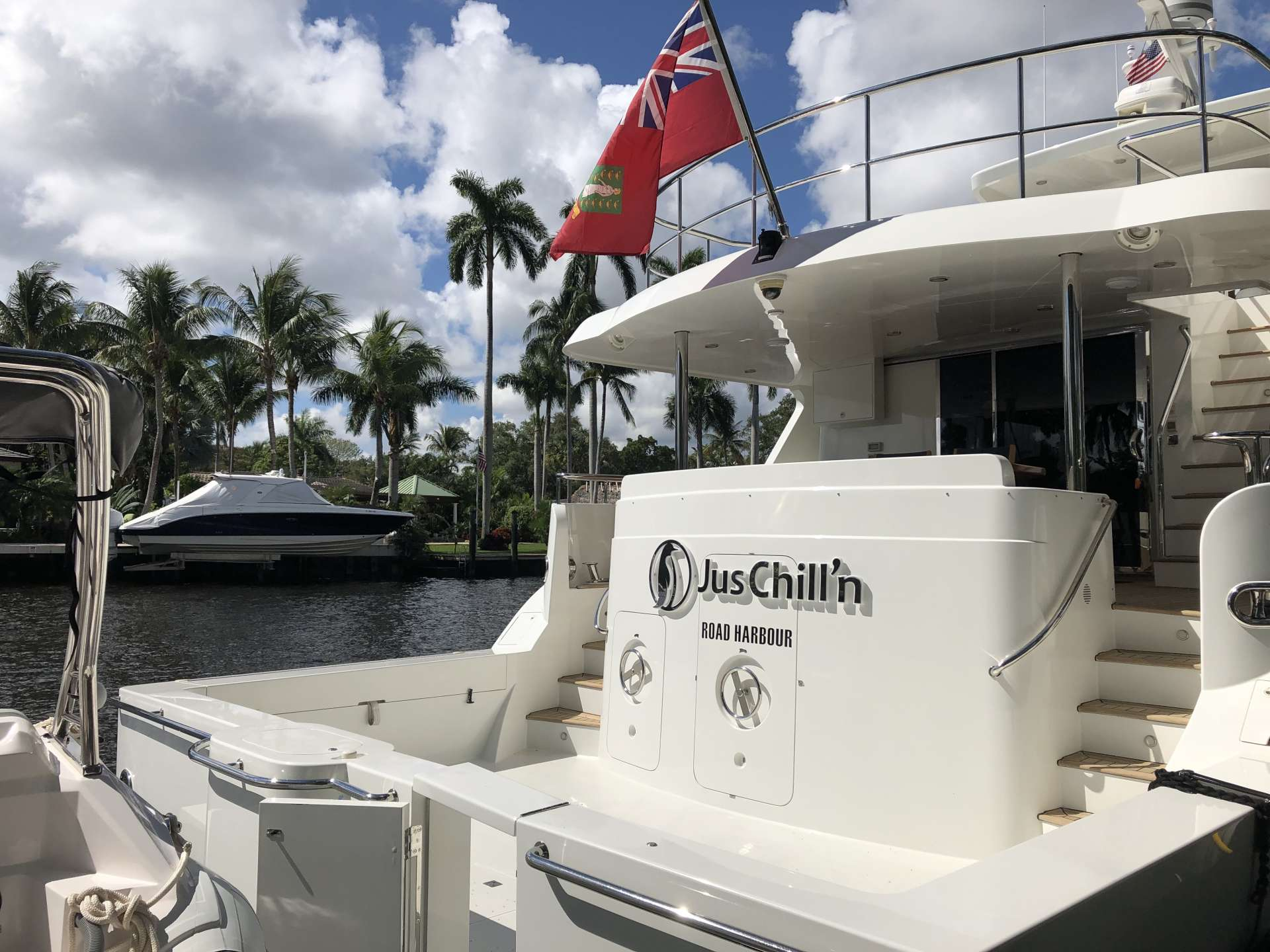 JUS CHILL'N yacht image # 4