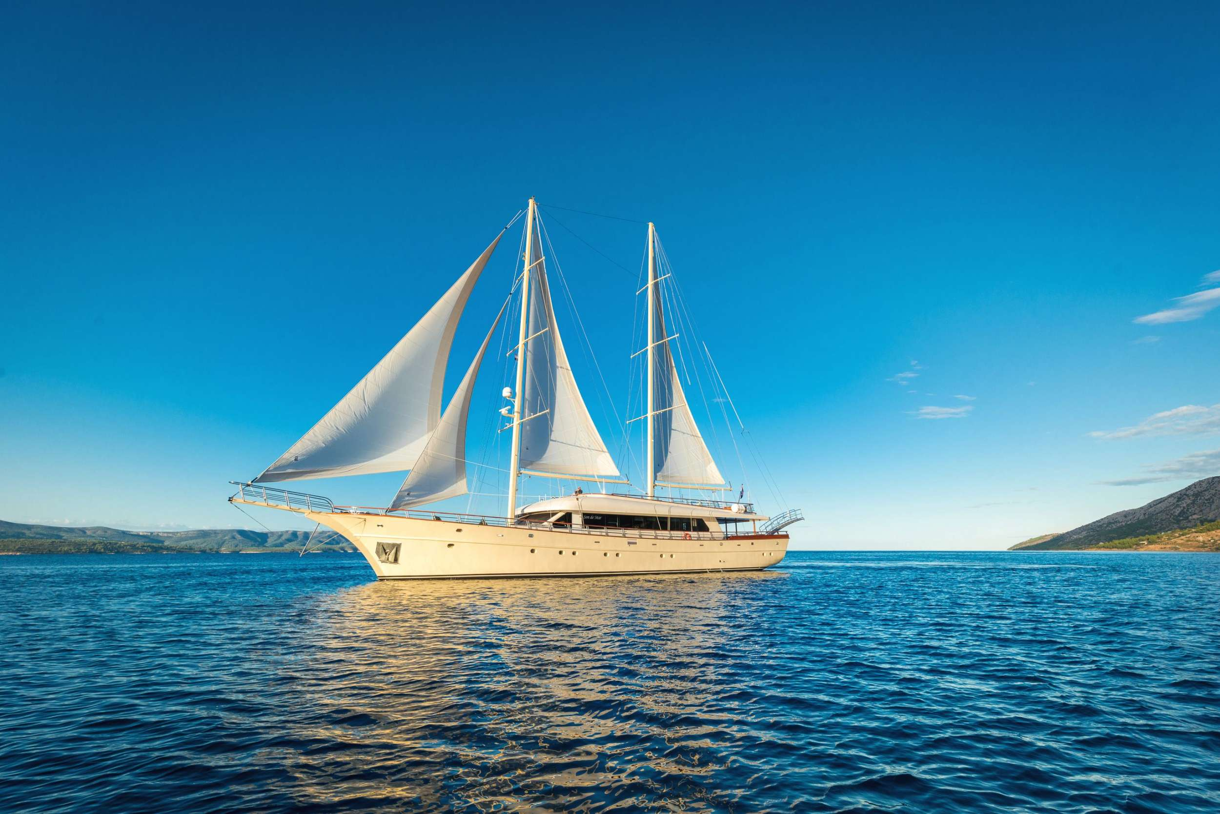 Image of SON DE MAR yacht #18