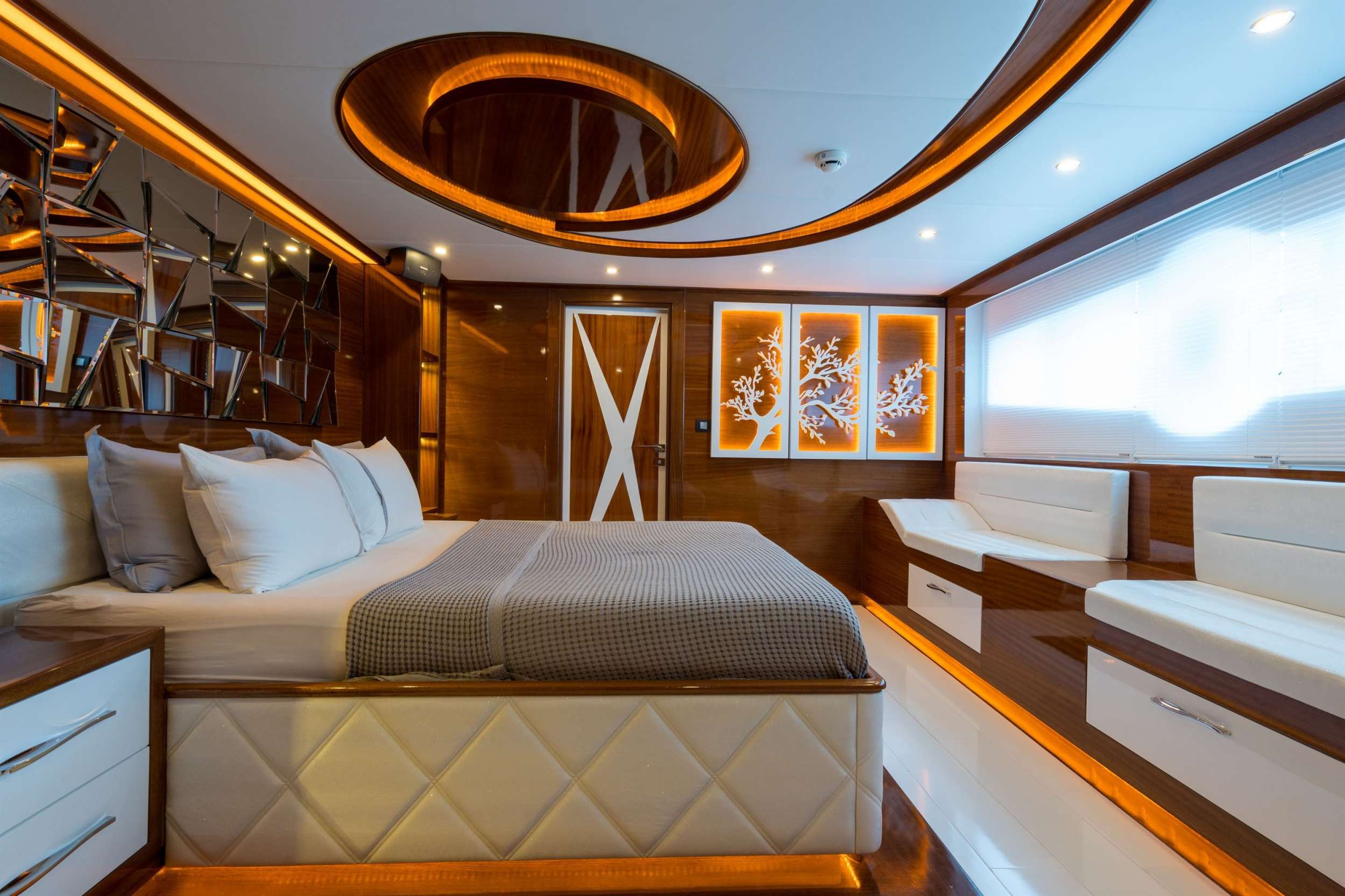 SEA DREAM yacht image # 6