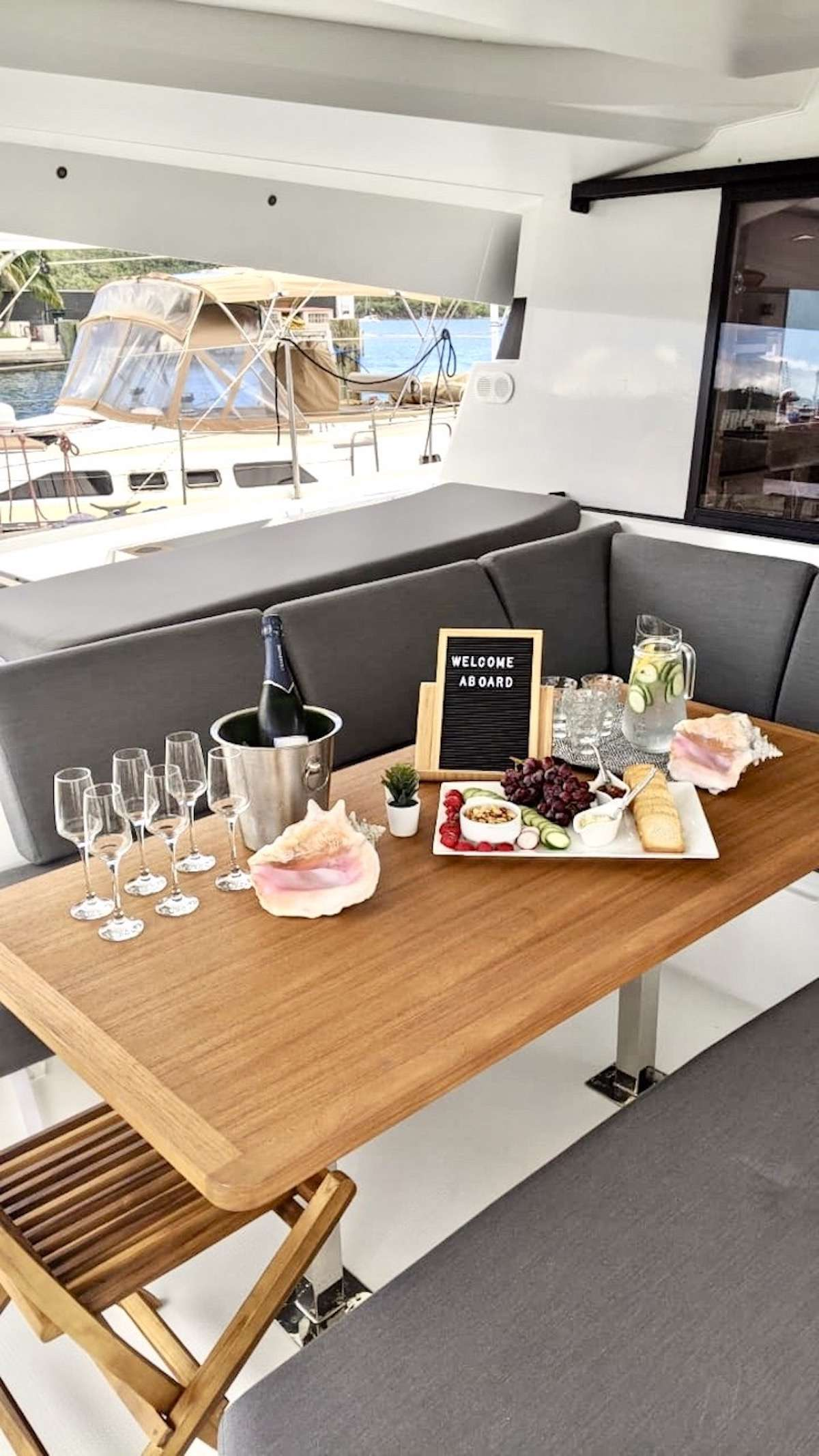 CHAMPAGNE yacht image # 18