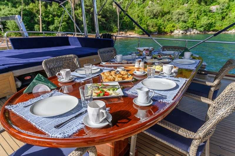 Viva Shira yacht image # 10