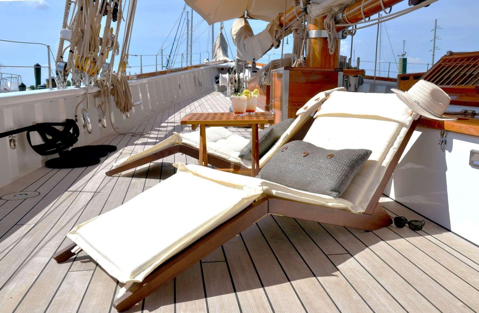 Image of Columbia yacht #11