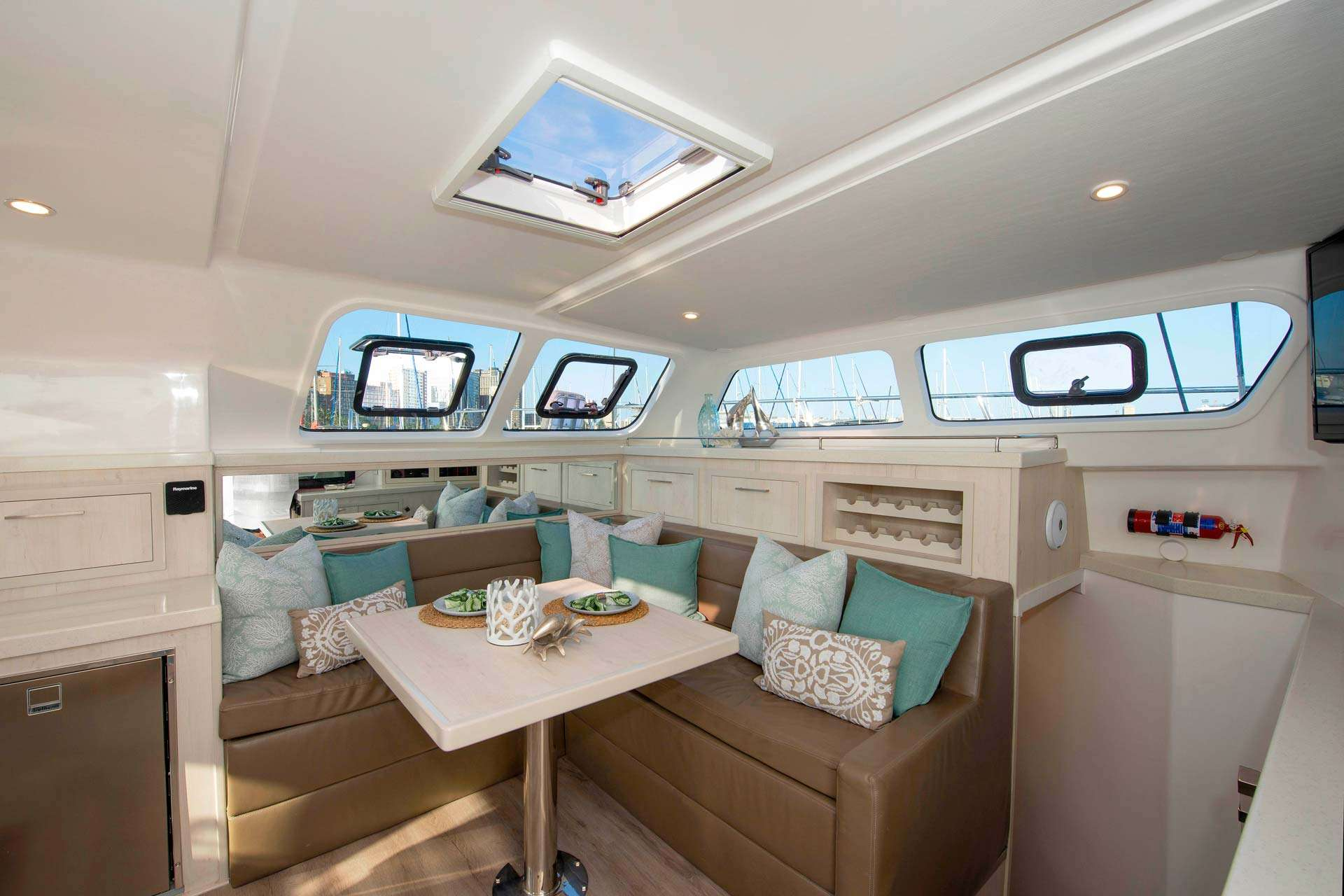 Image of BAREFEET RETREAT yacht #3