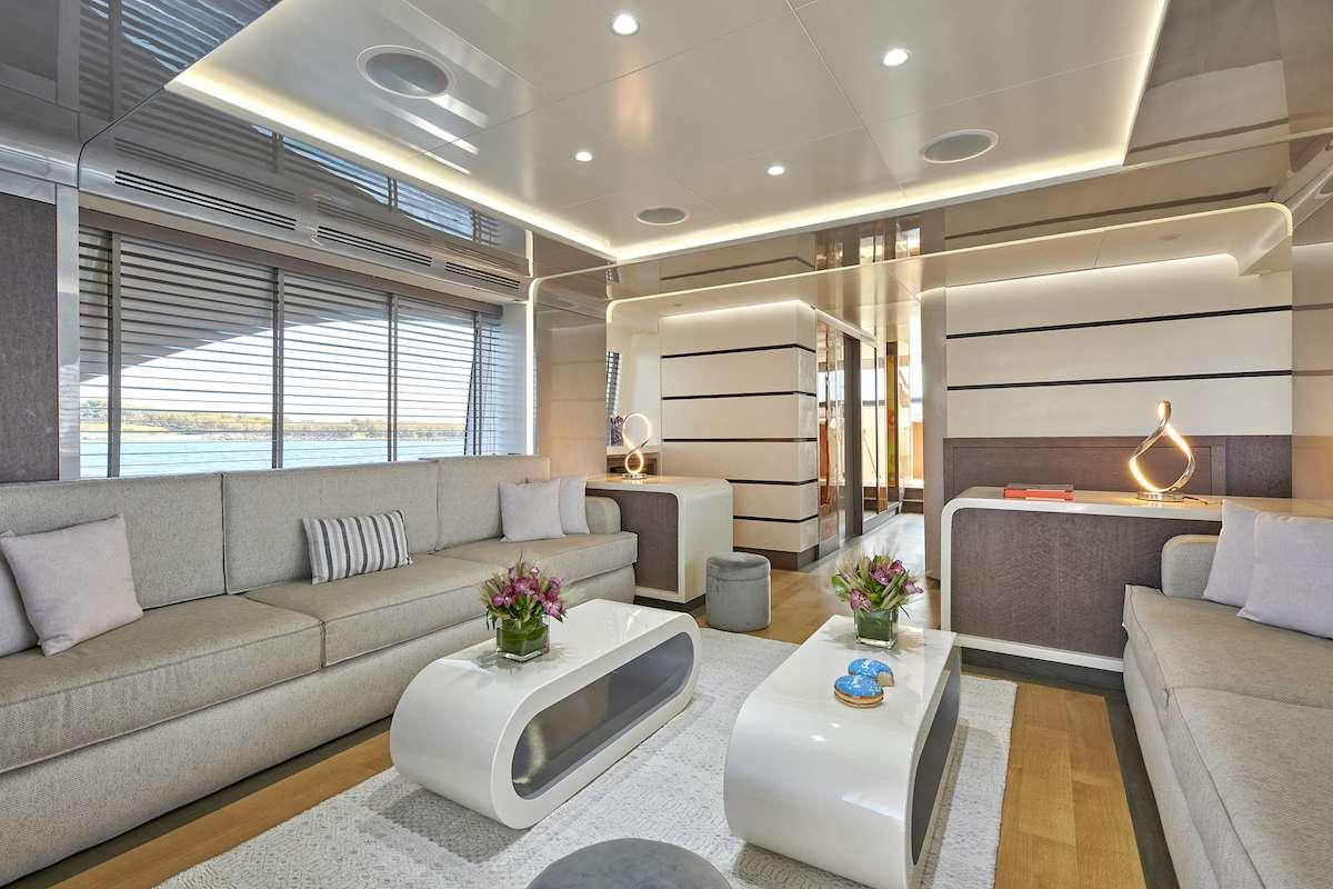 Image of LA FENICE yacht #3