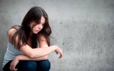 Evidencias en la relación entre la pérdida auditiva y la depresión.