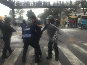 15:49 detención a la altura del Metro Boulevard Puerto Aéreo, L1 - Foto: Carolina Bt