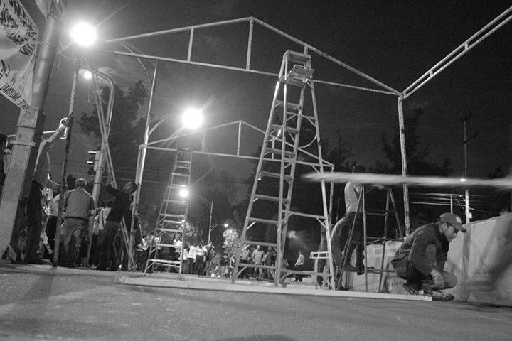 Instalacion planton Ayotzinapa 1