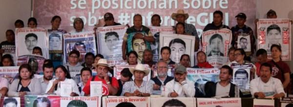 Madres y padres de Ayotzinapa exigen cumplimiento de recomendaciones del GIEI