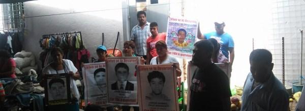 Solidaridad de Ayotzinapa con Arturo Campos, preso político de la CRAC
