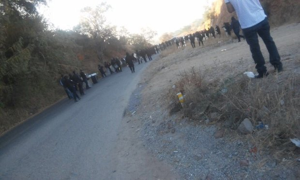 policias-vs-manifestacion-de-pueblos-en-oaxaca
