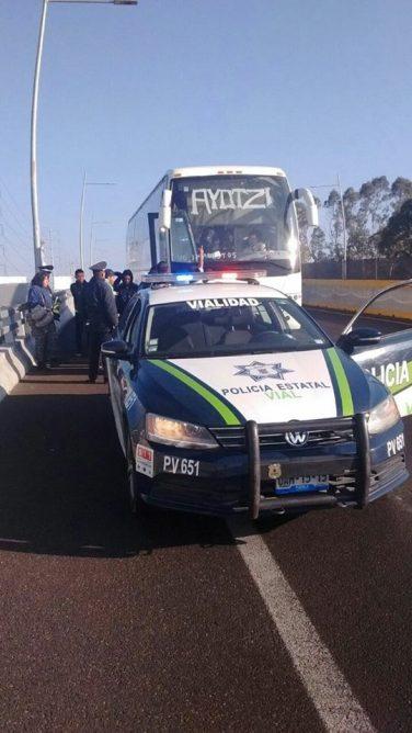 Policias amagan a familiares de Ayotzi 08