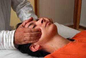 Es un masaje japonés basado en la medicina tradicional china. alleres que te ayudarán a decidirte si quieres hacer un curso profesional