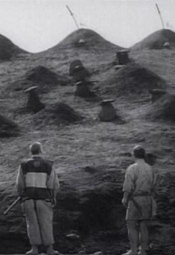 Kanbei observando las tumbas de los samuráis