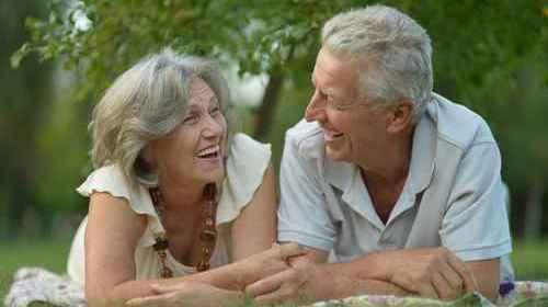 Immagine-invecchiamento-attivo-e-di-successo