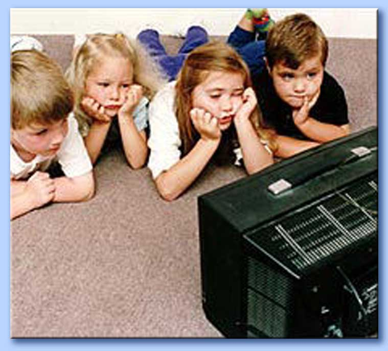 bambini davanti alla tv