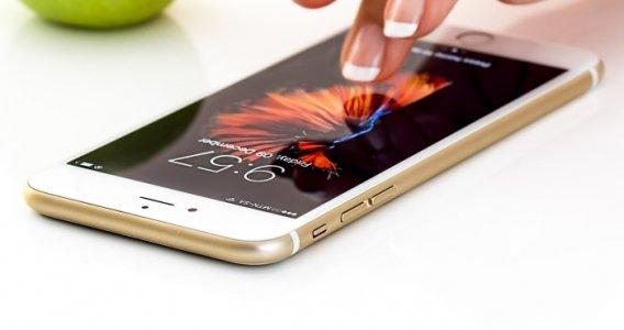 Bonus smartphone, tra la novità della legge di bilancio 2021: il kit digitalizzazione