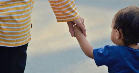 Bonus genitori separati o divorziati, fino a 800 euro in arrivo nel DL Sostegni: a chi spetta?