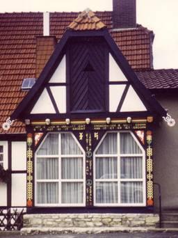 La forneria Ebbers prima della tinteggiatura della facciata
