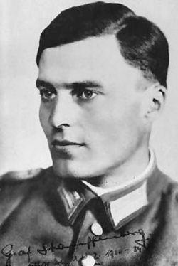 Claus Von Stauffenberg (15 novembre 1907 – 21 luglio 1944)