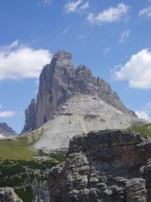 """Il massiccio delle """"Tre Cime di Lavaredo"""" nelle Dolomiti di Sesto"""