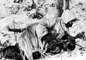 Volontario norvegese armato con un PPSH  sovietico