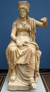 Statua in marmo di Cibele del I secolo a.C. da Formia, Lazio.