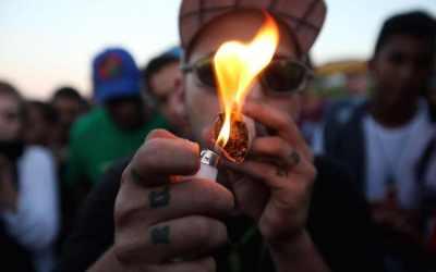 """Leggera come la peste. La """"frode da etichetta"""" del referendum per la cannabis legale"""