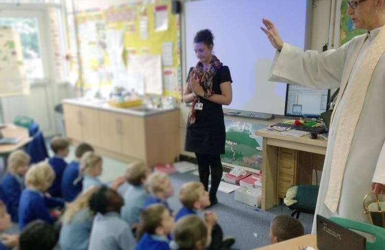 Benedizioni a scuola: respinta dal Consiglio di Stato la presunta violazione del principio di laicità