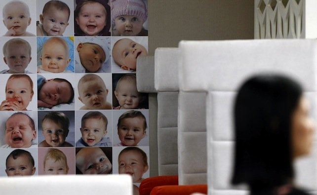 """Maternità surrogata, il ricatto del """"fatto compiuto"""""""
