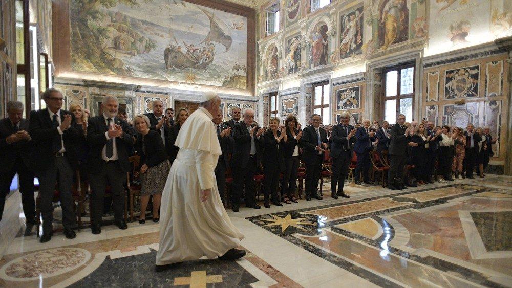 papa francesco ai medici settembre 2019