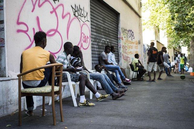 """Dalla """"sanatoria"""" dei migranti: """"rilancio"""" sì, ma della disoccupazione e della illegalità"""