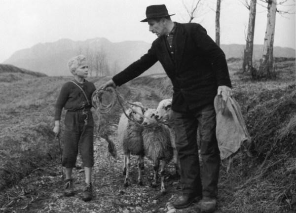 """Una scena da """"Gli Ultimi"""" di Vito Pandolfi e David Maria Turoldo (1962)"""