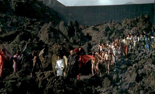 Il monaco avido viene tratto all'inferno, fotogramma dal film