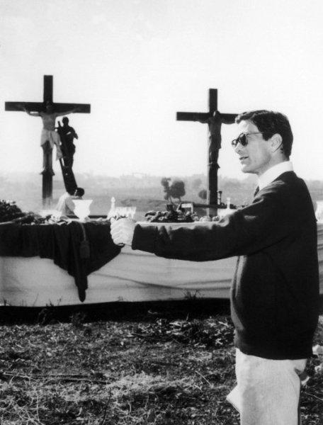 """Pasolinisul set de """"La ricotta"""". Foto di Mario Dondero"""