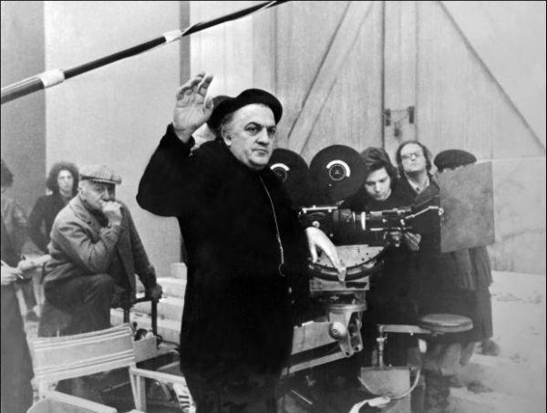 """Federico Fellini sul set di """"Amarcord"""""""