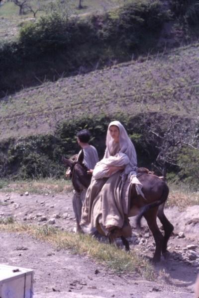 """Maria giovane e Giuseppe nel """"Vangelo"""""""