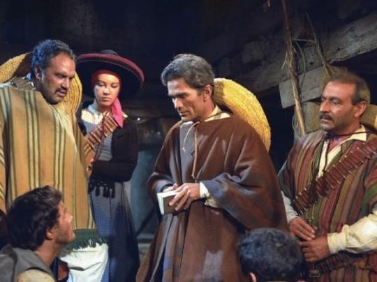 """Pasolini attore sul set di """"Requiescant"""" (1966) di Carlo Lizzani"""