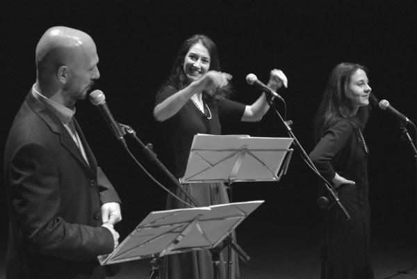"""""""Suite in forma di rosa"""". Da sx Massimo Somaglino, Claudia Grimaz, Nicoletta Oscuro"""