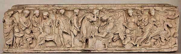 Sarcofago di marmo (150-170 d.C.) con rappresentazioni del mito di Medea, invio della veste a Creusa, morte della ragazza, partenza di Medea con i cadaveri dei figli