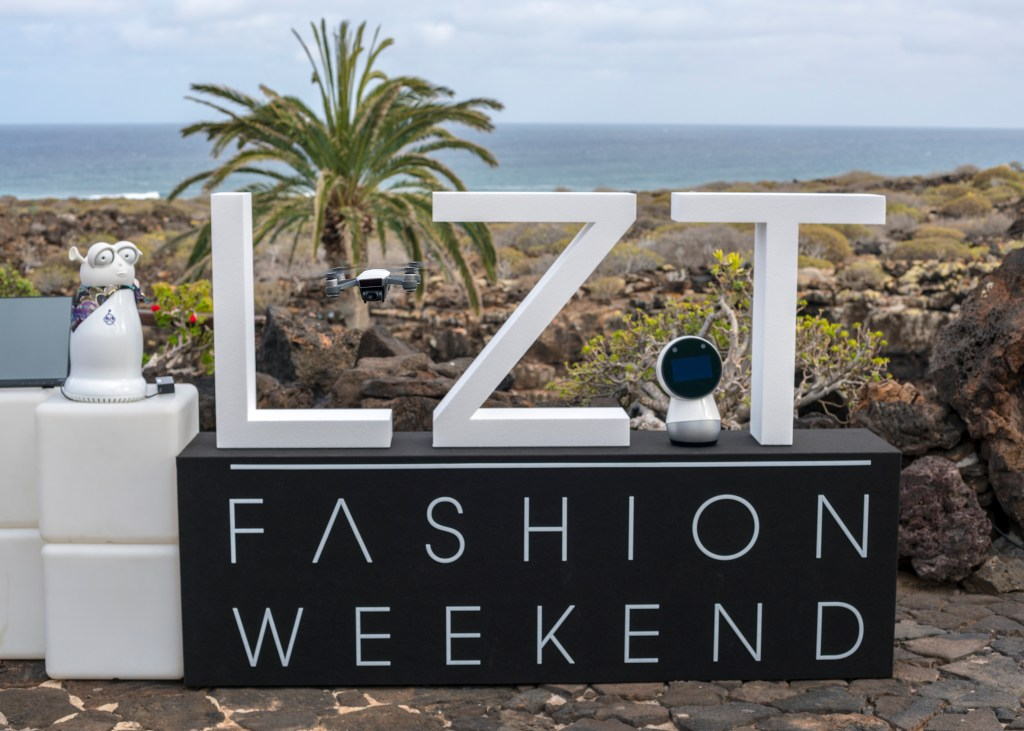 Casual Robots Lanzarote Fashion Weekend