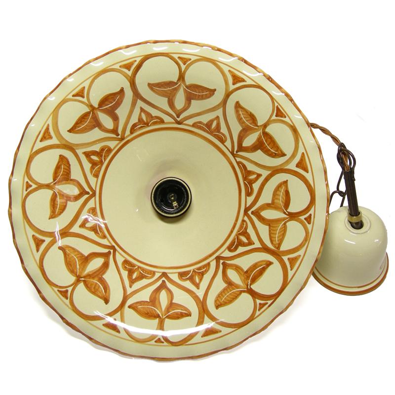 Su richiesta sono disponibili altre finiture metallo. Lampadario In Ceramica Dipinto A Mano Con Arancio Terra Di Siena Su Fondo Color Crema Ceramiche Il Volo