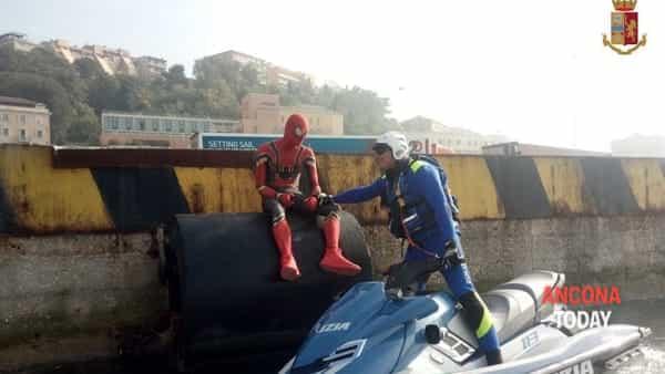 Ancona, città degli Avengers del disagio