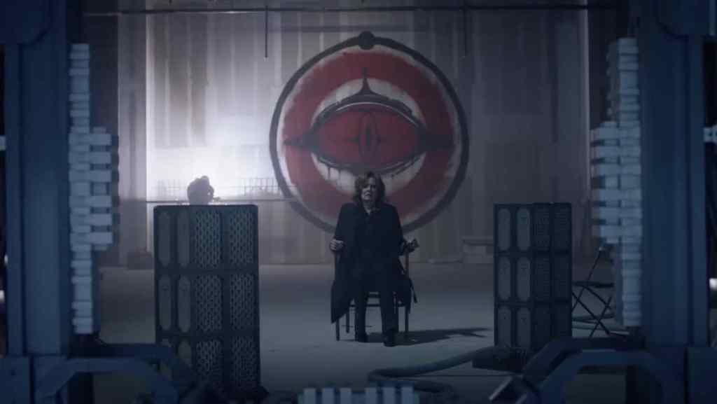 Laurie Blake nel quartier generale della Cavalleria